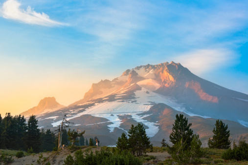 雪山「USA, Oregon, View of Mount Hood at sunrise」:スマホ壁紙(10)