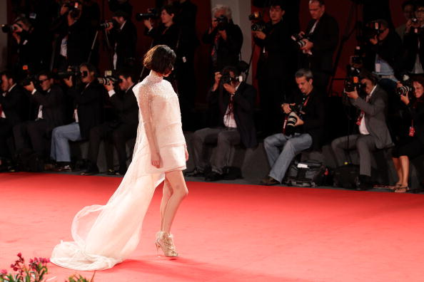 Kiko Mizuhara「Norwegian Wood - Premiere:67th Venice Film Festival」:写真・画像(13)[壁紙.com]