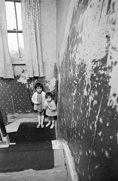 Childhood「Housing Problems」:写真・画像(19)[壁紙.com]