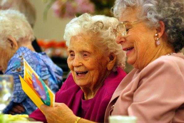 People「Centenarians Celebrate Birthdays」:写真・画像(0)[壁紙.com]