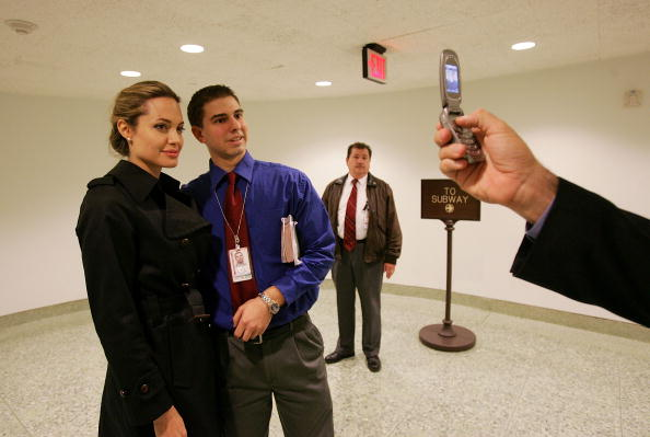 Win McNamee「Angelina Jolie Meets With Lawmakers On Capitol Hill」:写真・画像(9)[壁紙.com]