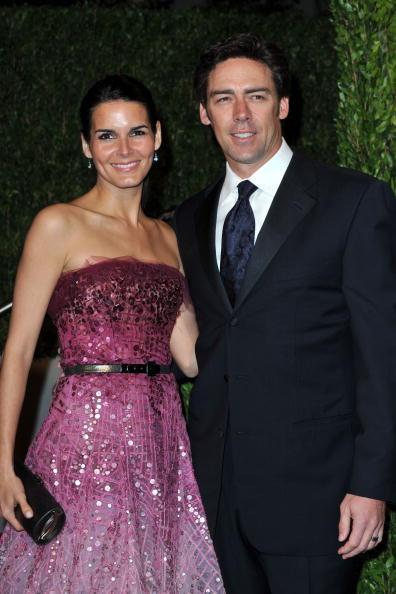 Angie Harmon「2010 Vanity Fair Oscar Party Hosted By Graydon Carter - Arrivals」:写真・画像(18)[壁紙.com]