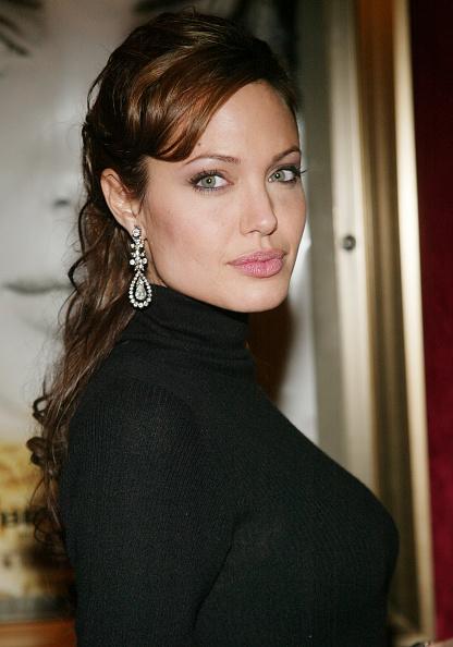 Turtleneck「Angelina Jolie」:写真・画像(8)[壁紙.com]