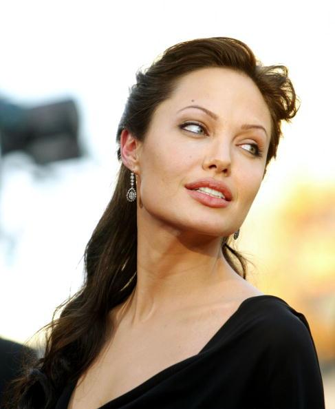 アンジェリーナ・ジョリー「Angelina Jolie」:写真・画像(4)[壁紙.com]