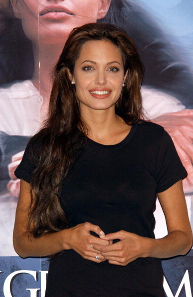 Black Color「Angelina Jolie」:写真・画像(12)[壁紙.com]