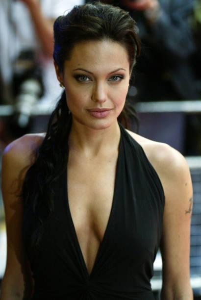 Angelina Jolie:ニュース(壁紙.com)