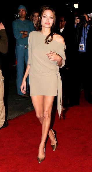 """Sleeved Dress「World Premiere of """"Taking Lives"""" - Arrivals」:写真・画像(16)[壁紙.com]"""