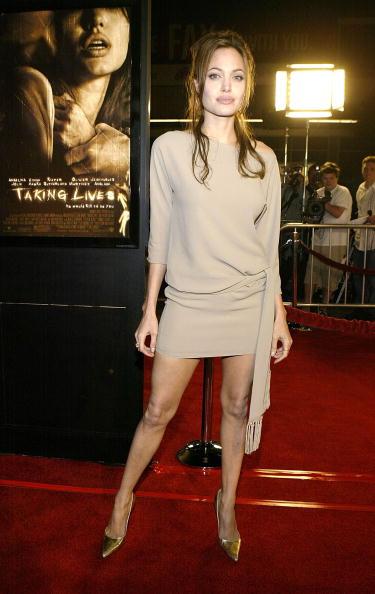 Sleeved Dress「World Premiere of Warner Bros 'Taking Lives'」:写真・画像(17)[壁紙.com]