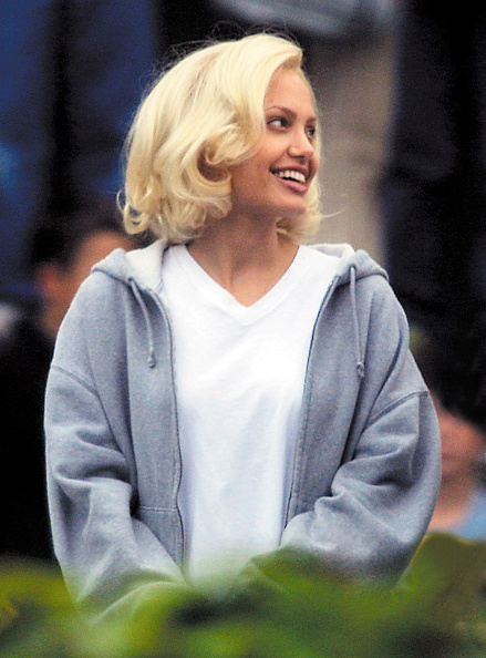 Blond Hair「On The Set Of Angelina Jolie''s New Film」:写真・画像(11)[壁紙.com]