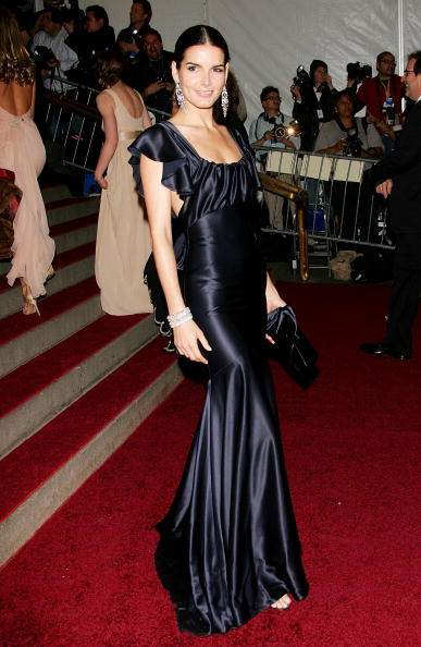 Showing Off「MET Presents Anglomania: The Costume Institute Benefit Gala」:写真・画像(5)[壁紙.com]