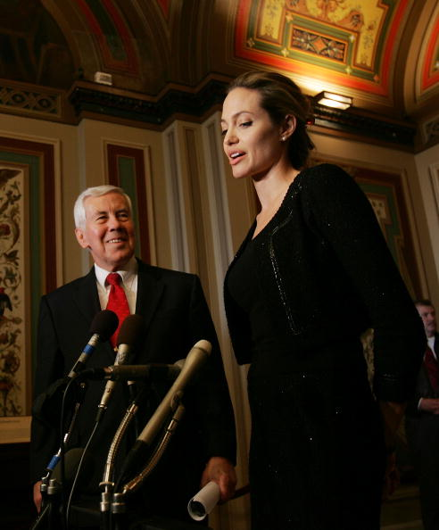 Win McNamee「Angelina Jolie Meets With Lawmakers On Capitol Hill」:写真・画像(10)[壁紙.com]