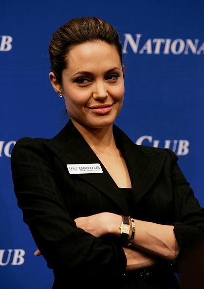 Wristwatch「UN Goodwill Ambassador Angelina Jolie Speaks About Refugee Children」:写真・画像(13)[壁紙.com]