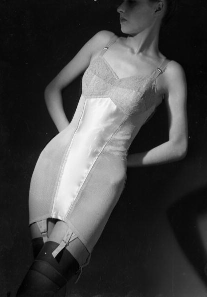 Garter Belt「Lingerie」:写真・画像(14)[壁紙.com]