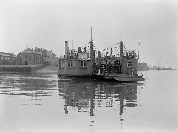 Passenger Craft「Cowes Floating Bridge」:写真・画像(7)[壁紙.com]