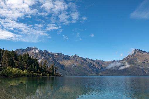 静かな情景「Wilson Bay on Lake Wakatipu.」:スマホ壁紙(7)
