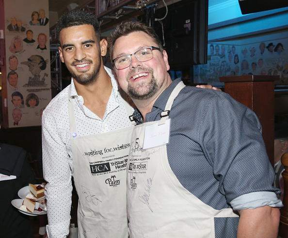 Marcus Mariota「17th Annual Waiting for Wishes Celebrity Dinner」:写真・画像(10)[壁紙.com]