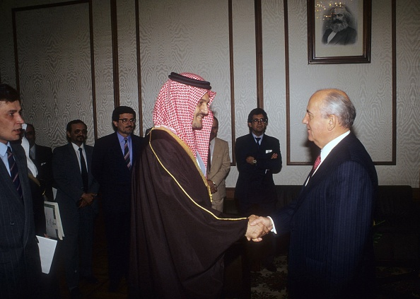 Middle East「Mikhail Gorbachev And Prince Saud al-Faisal」:写真・画像(9)[壁紙.com]