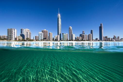 Queensland「City skyline, Surfers Paradise, Gold Coast, Queensland, Australia」:スマホ壁紙(5)