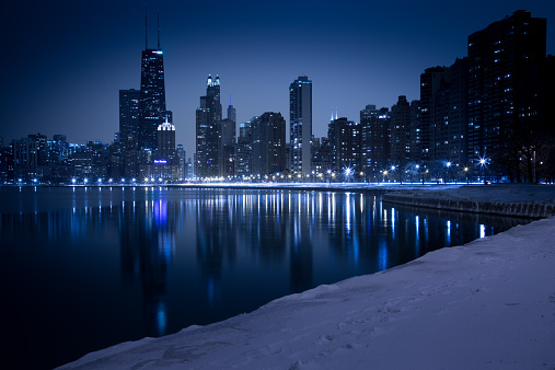 Great Lakes「City skyline seen from North Avenue Beach, Chicago, Illinois, America, USA」:スマホ壁紙(3)