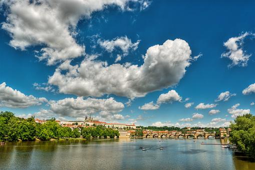 St Vitus's Cathedral「City skyline and Vltava River, Prague, Czech Republic」:スマホ壁紙(1)