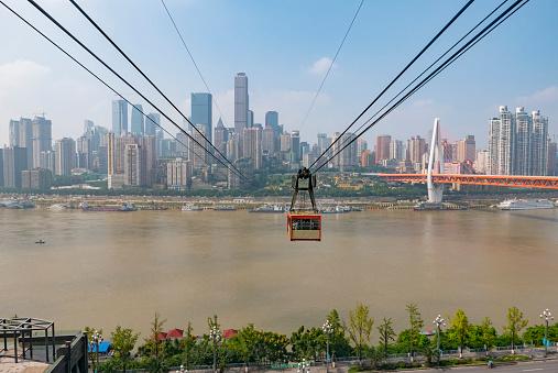 Aerial tramway「City skyline with Donghuamen Bridge and Yangtze River Tramway, Chongqing, China」:スマホ壁紙(6)