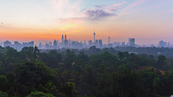 Kuala Lumpur「City skyline at sunrise, Kuala Lumpur, Malaysia」:スマホ壁紙(1)
