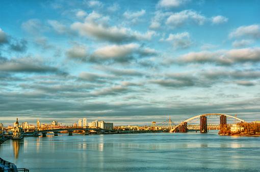 Ukraine「City skyline and river Dnepr, Kiev, Ukraine」:スマホ壁紙(16)