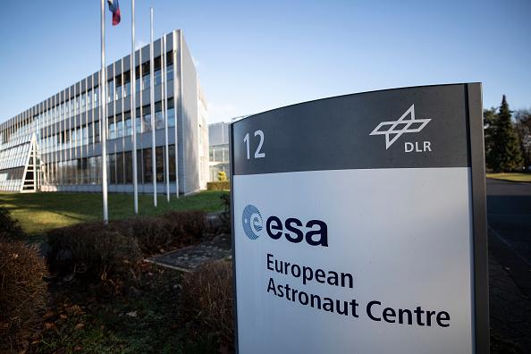 宇宙ステーション「Astronaut Alexander Gerst Final Video Call From ISS Space Station canceled due techical problems」:写真・画像(13)[壁紙.com]
