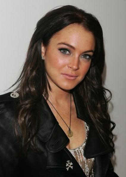 Brown Hair「MTV TRL With Lindsay Lohan, Daniel Radcliffe, & Good Charlotte」:写真・画像(14)[壁紙.com]