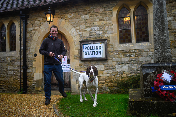 Polling Place「British Voters Go To The Polls」:写真・画像(18)[壁紙.com]