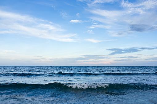 Wave「紺碧の海」:スマホ壁紙(4)