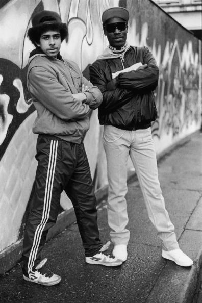 Graffiti「Young Londoners」:写真・画像(13)[壁紙.com]
