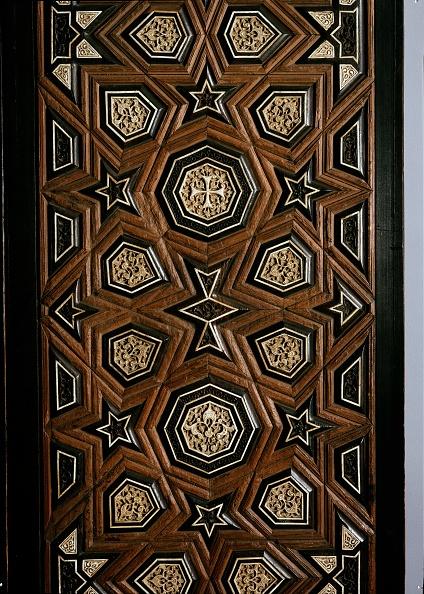 Close-up「Door With Geometric Insets」:写真・画像(4)[壁紙.com]