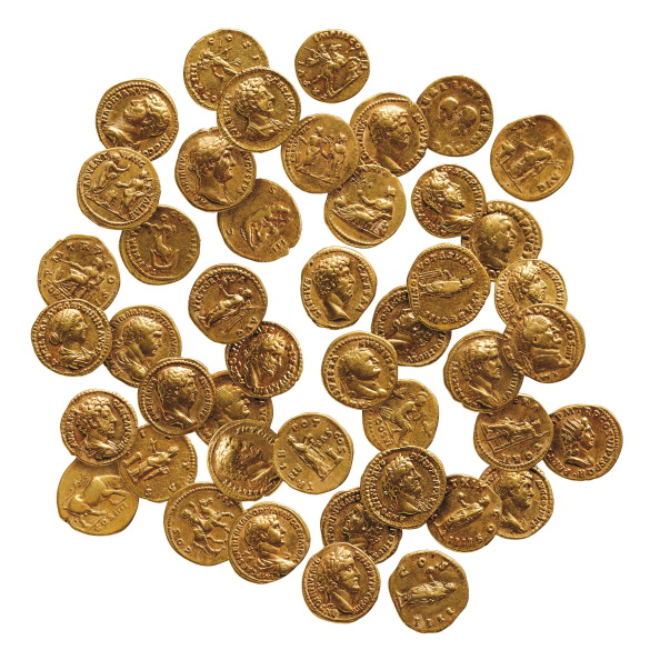 Townhouse「Hoard Of 43 Roman Gold Coins」:写真・画像(5)[壁紙.com]