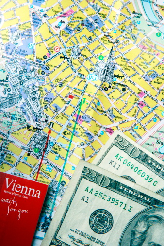 Guidebook「A tourist guide book, map of central Vienna, Austr」:スマホ壁紙(9)