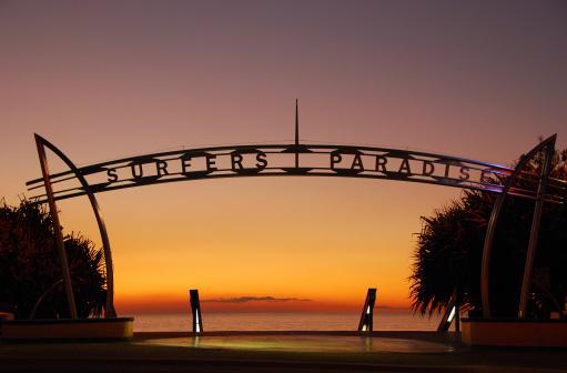 Queensland「Image of Surfers Paradise, Queensland, Australia at sunrise」:スマホ壁紙(18)
