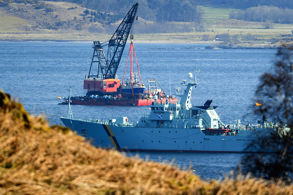 Capsizing「Recovery Of Sunk Fishing Trawler Takes Place On Loch Fyne」:写真・画像(16)[壁紙.com]