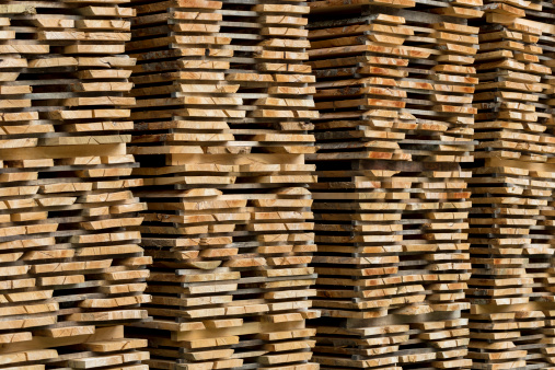 Plank - Timber「Timber planks stacked to season, Spain」:スマホ壁紙(8)
