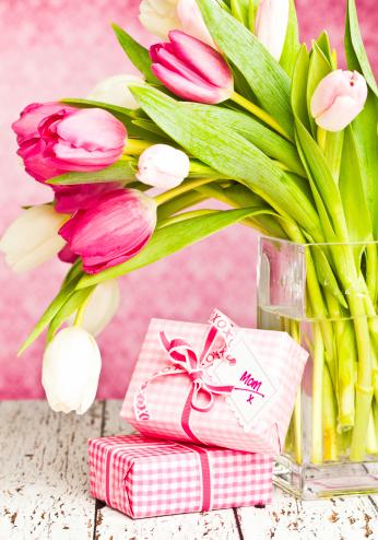 母の日「ギフト、母の日や誕生日」:スマホ壁紙(6)