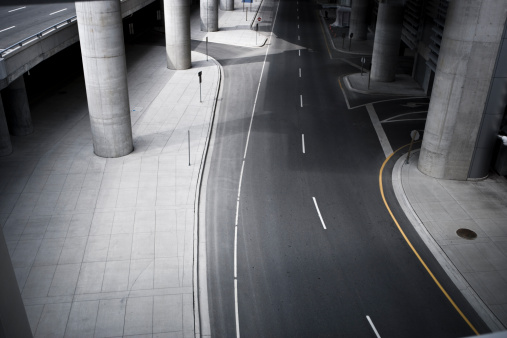 Dividing Line - Road Marking「Concrete city road by the airport」:スマホ壁紙(8)