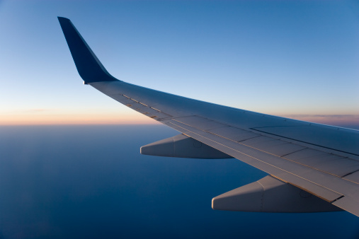 Commercial Airplane「Airplane Wing in Flight」:スマホ壁紙(8)