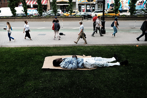 Homelessness「First Day Of June Brings Sun To New York City After A Rainy May」:写真・画像(4)[壁紙.com]