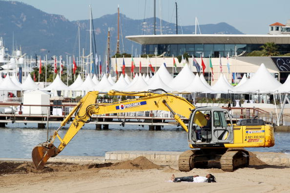Construction Equipment「63rd Cannes Film Festival: General Atmosphere」:写真・画像(10)[壁紙.com]