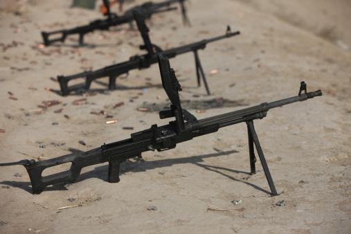 Machine Gun「PK 7.62 mm general-purpose machine guns stand ready on a firing range in Kunduz, Afghanistan.」:スマホ壁紙(18)