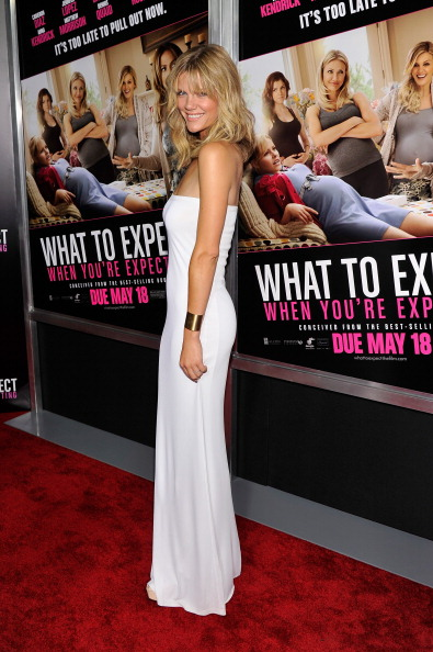 """Form Fitted Dress「""""What To Expect When You're Expecting"""" New York Screening - Inside Arrivals」:写真・画像(4)[壁紙.com]"""