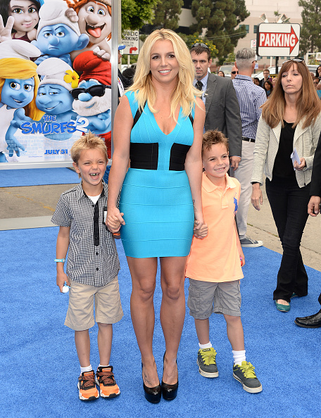 "Son「Premiere Of Columbia Pictures' ""Smurfs 2"" - Arrivals」:写真・画像(14)[壁紙.com]"