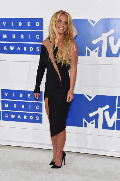 出席する「2016 MTV Video Music Awards - Arrivals」:写真・画像(8)[壁紙.com]