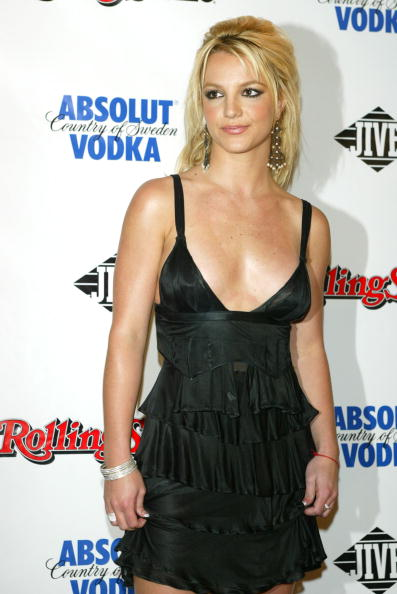 Britney Spears「Britney Spears Attends Rolling Stone 2003 Hot Issue Party」:写真・画像(15)[壁紙.com]