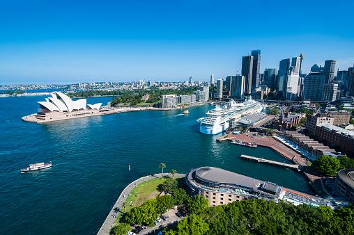 Sydney Harbor「Outlook over Sydney with Opera House, New South Wales, Australia」:スマホ壁紙(8)