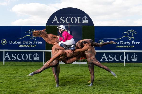 Horseback Riding「Dubai Duty Free Shergar Cup Photoshoot」:写真・画像(17)[壁紙.com]
